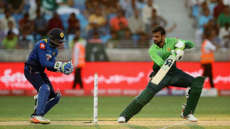 One-up Pakistan bat; both teams unchanged