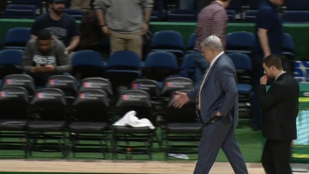 Rider-Siena scuffle leads to invisible handshakes - ESPN Video