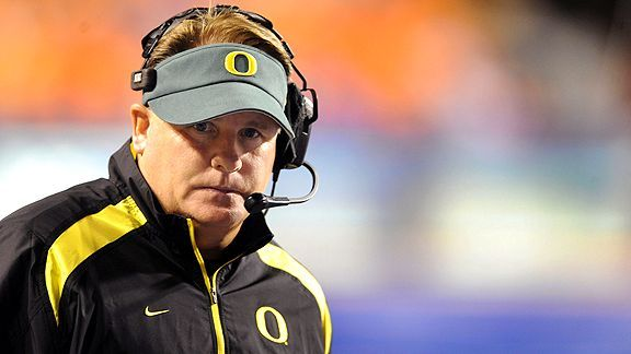 Chip Kelly won't turn UCLA into Oregon, but he doesn't have to