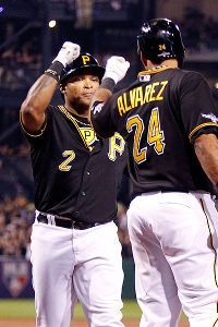 Marlon Byrd agrees to join Phillies