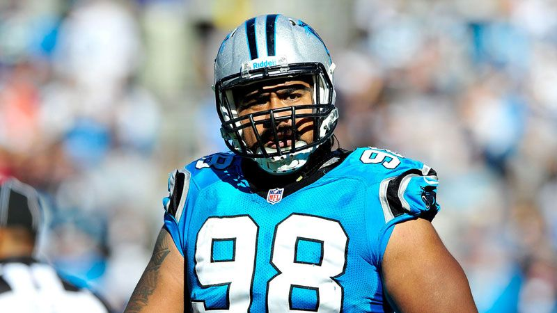 The Buffalo Bills will keep DT Kyle Williams, the team announced Tuesday. They will add former Carolina Panthers DT Star Lotulelei when free agency opens, a source told ESPN's Adam Schefter.