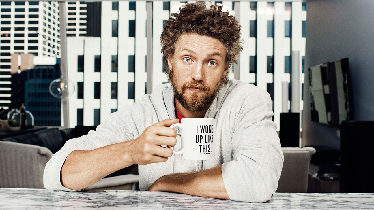 hunter pence talks hunter pence signs in the interview issue