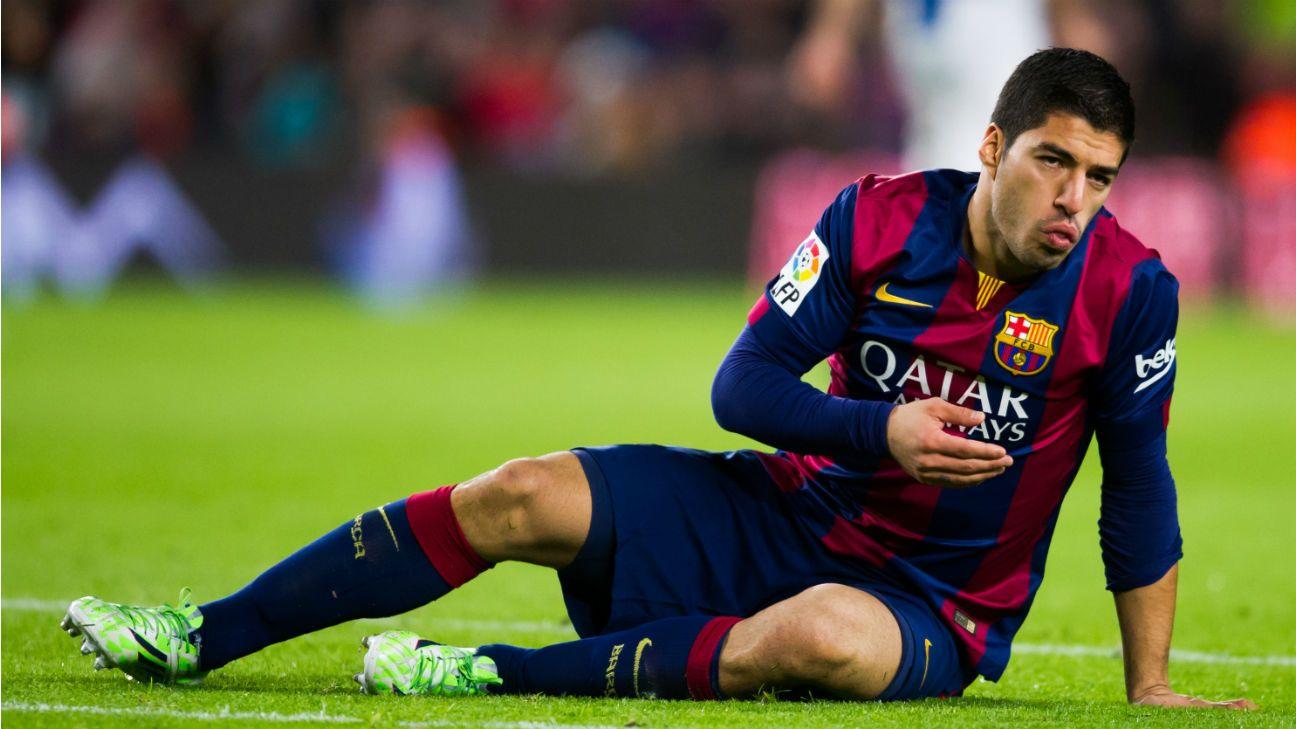 36eab4934c4 Barcelona Star Suarez shows off his new 2018 19 season Puma Boots ...