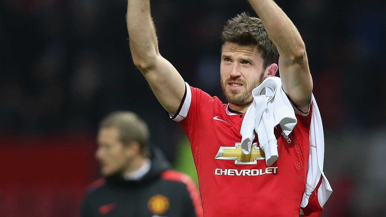 Michael Carrick signs new one-year Manchester United contract