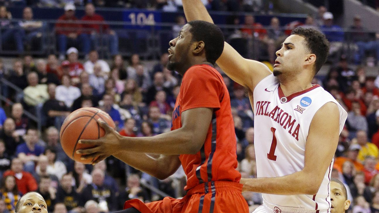 Guard Frank Booker to transfer from Oklahoma Sooners