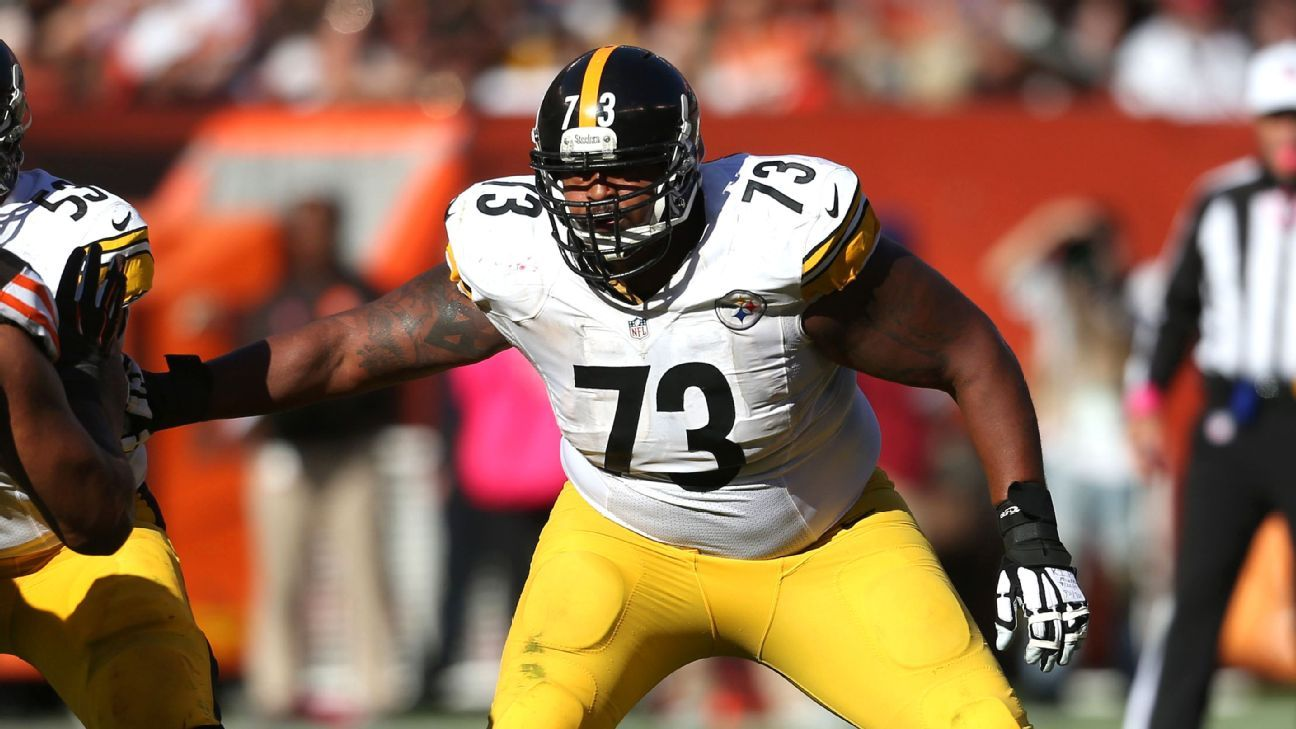 Steelers veteran guard Ramon Foster will not need surgery after he was carted off the practice field Saturday, a source confirmed to ESPN.