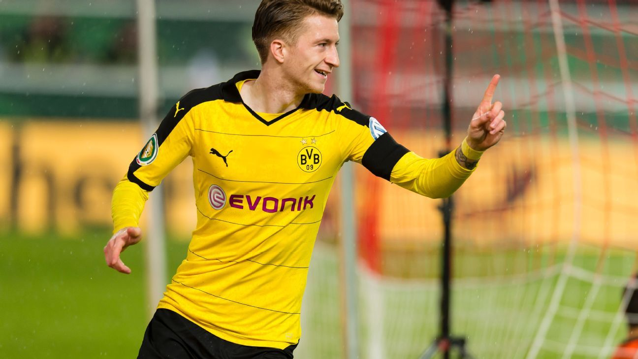 borussia dortmund attacker marco reus returns to training pitch. Black Bedroom Furniture Sets. Home Design Ideas