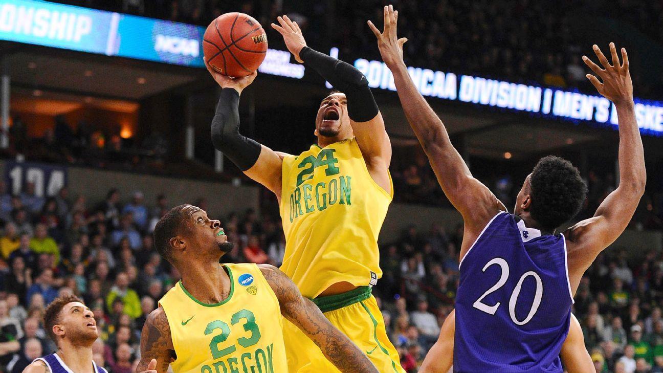 Oregon Ducks dismantle Holy Cross Crusaders in NCAA ...