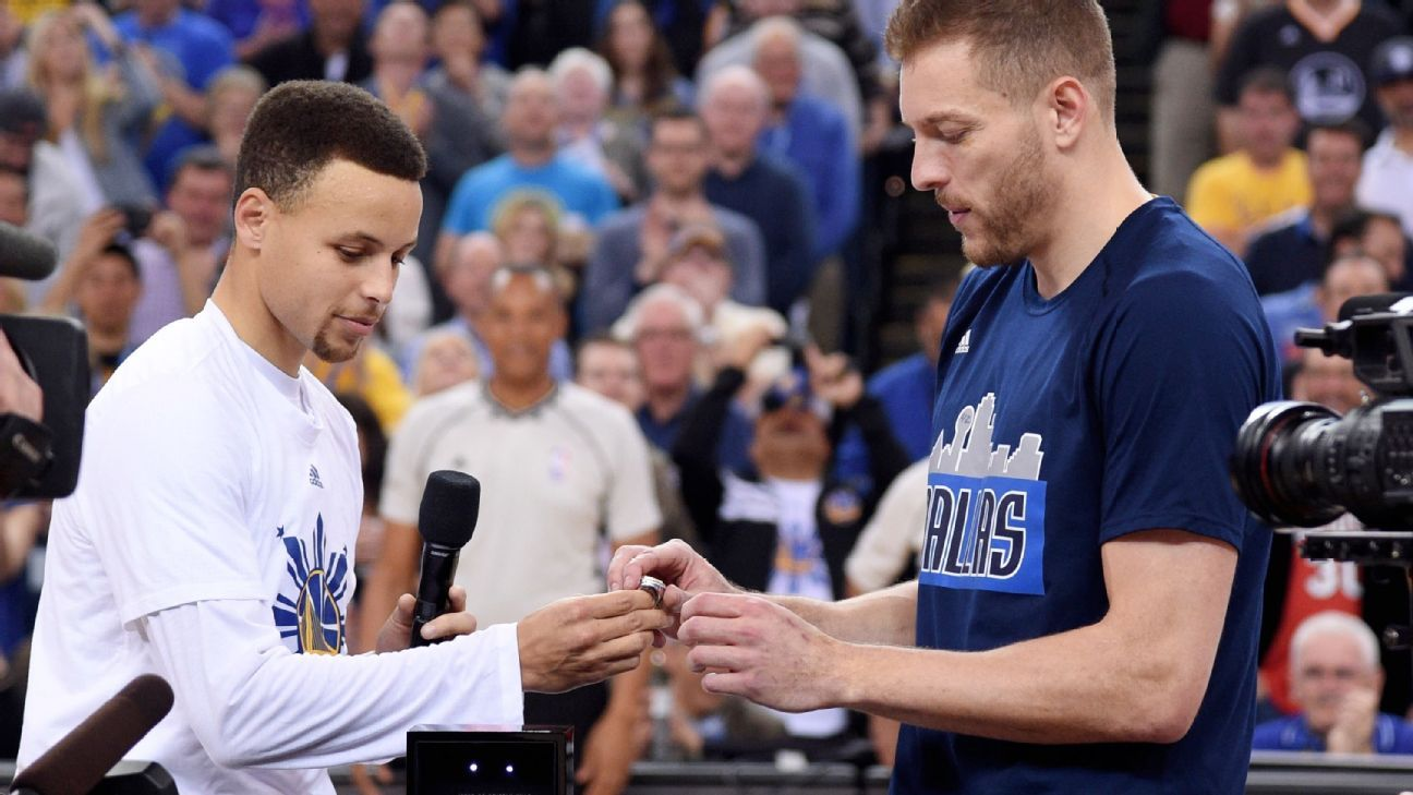 David Lee of Dallas Mavericks presented championship ring in ceremony before Golden State ...