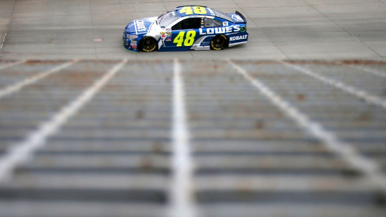 NASCAR - The Bottom Line: Jimmie Johnson's knowledge the difference at Dover