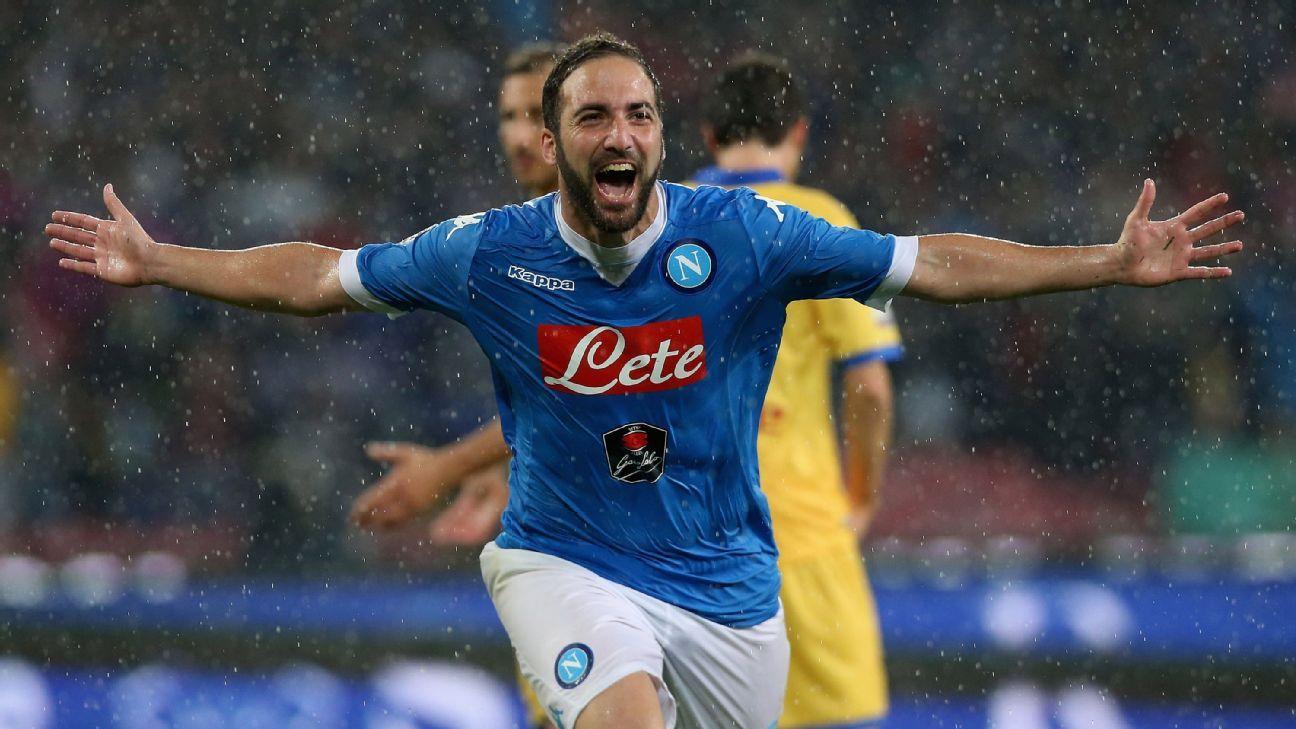 Napoli's Gonzalo Higuain breaks Serie A goals record with 36 in a season