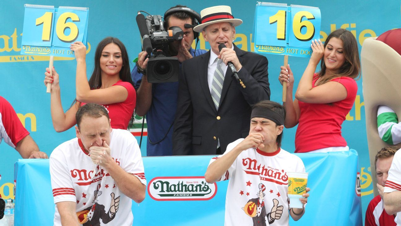 Top stats to know: 2016 Hot Dog Eating Contest