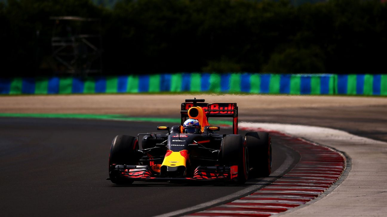 Daniel Ricciardo admits he was 'angry' at late yellows in Q3