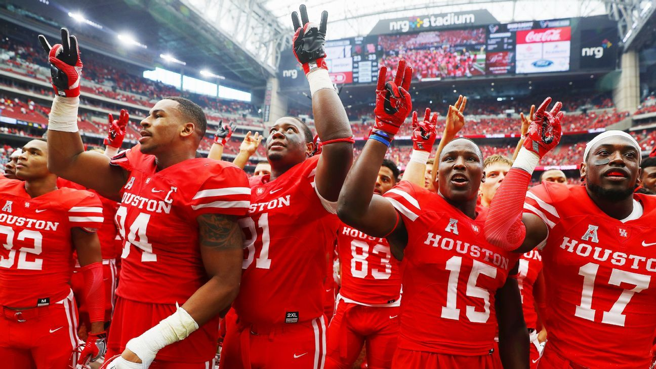 Houston Cougars, Wisconsin Badgers shake up Kickoff Week with wins over Oklahoma Sooners, LSU Tigers