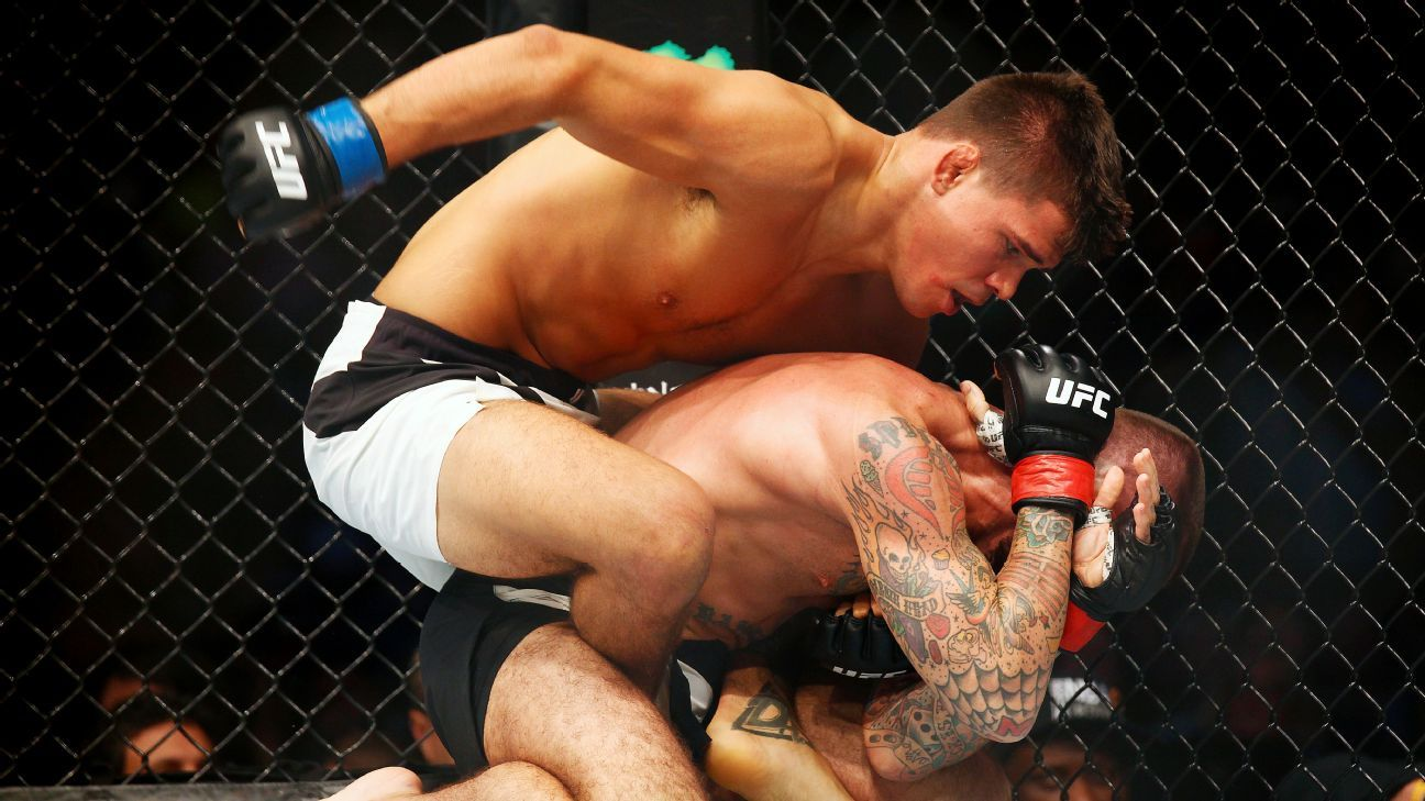 CM Punk submitted by Mickey Gall in debut at UFC 203