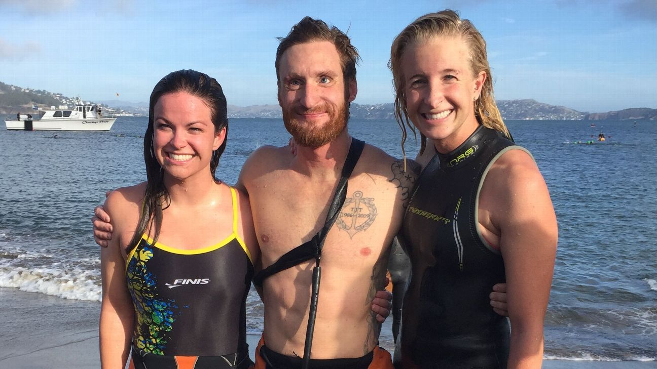 Brad Snyder, who lost his sight while serving his country, conquers treacherous Alcatraz swim