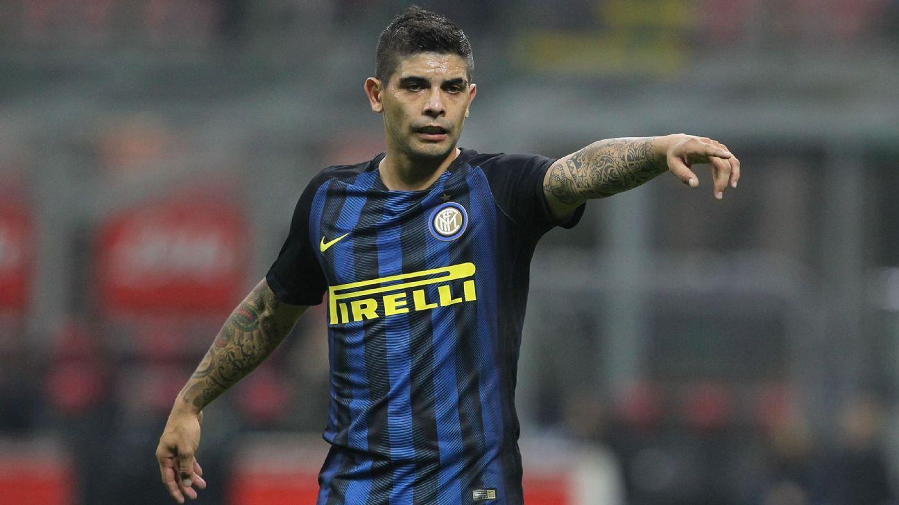 Ever Banega seals return to Sevilla after single season with Inter