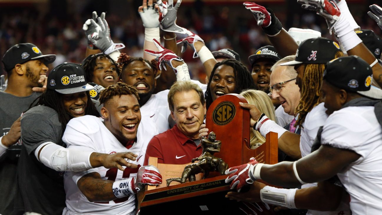 How to ace your college football bowl office pool