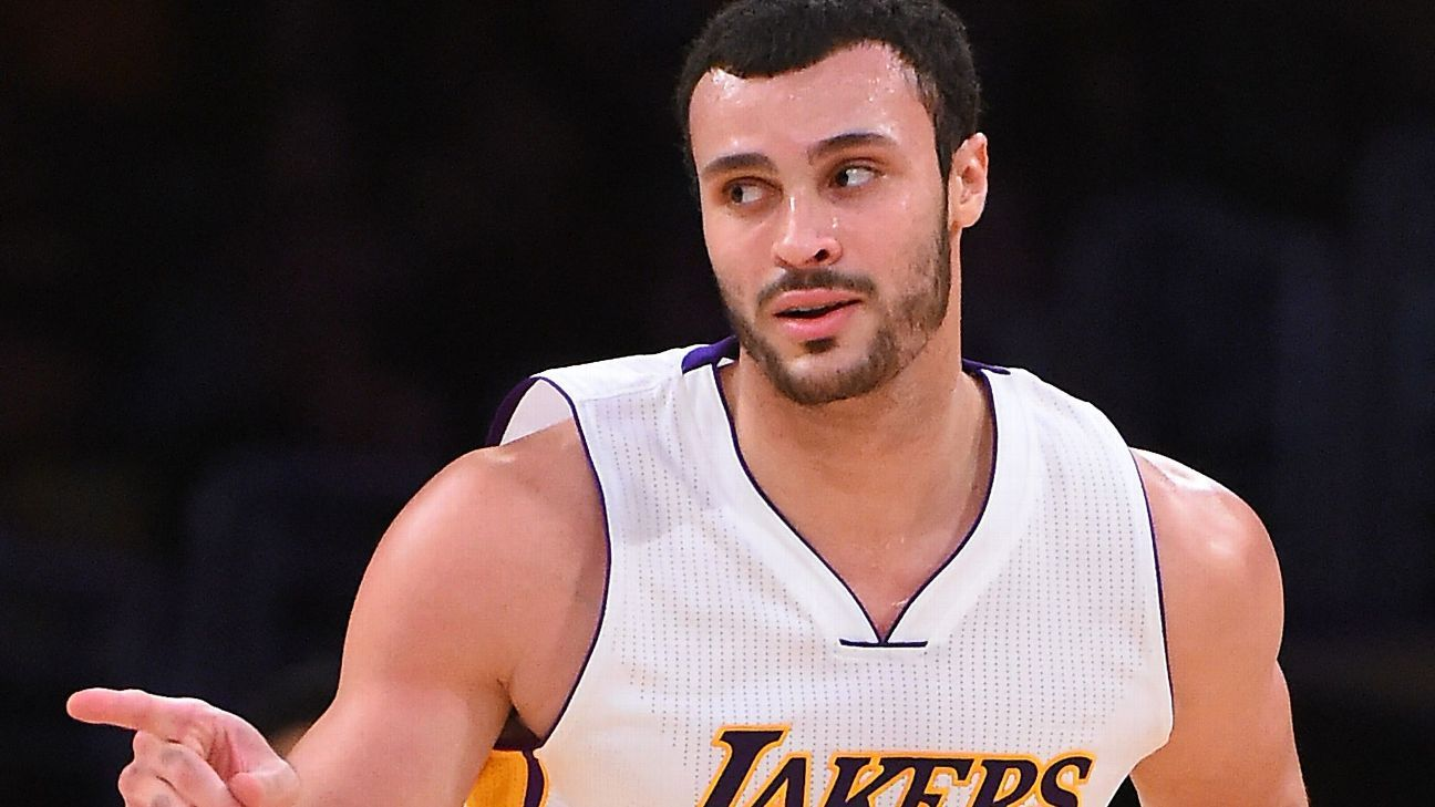 Los Angeles Lakers Larry Nance Jr won t pete in dunk contest