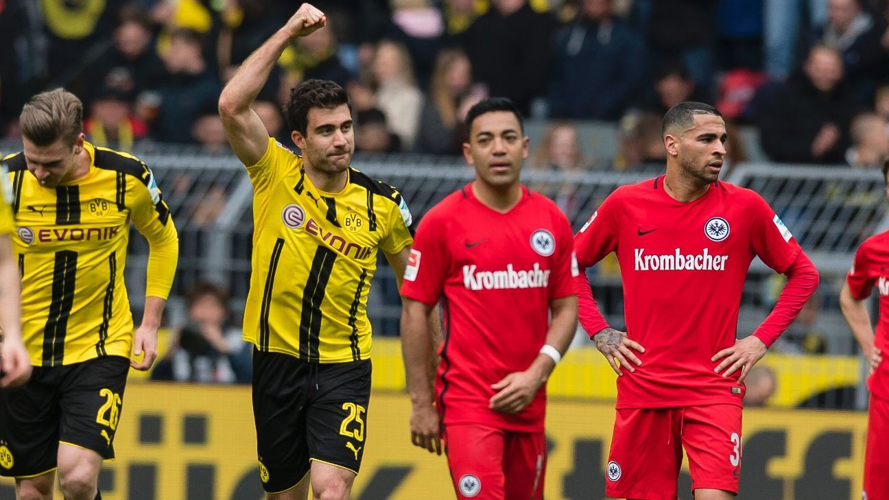 sokratis papastathopoulos dedicates goal for dortmund to marc bartra. Black Bedroom Furniture Sets. Home Design Ideas