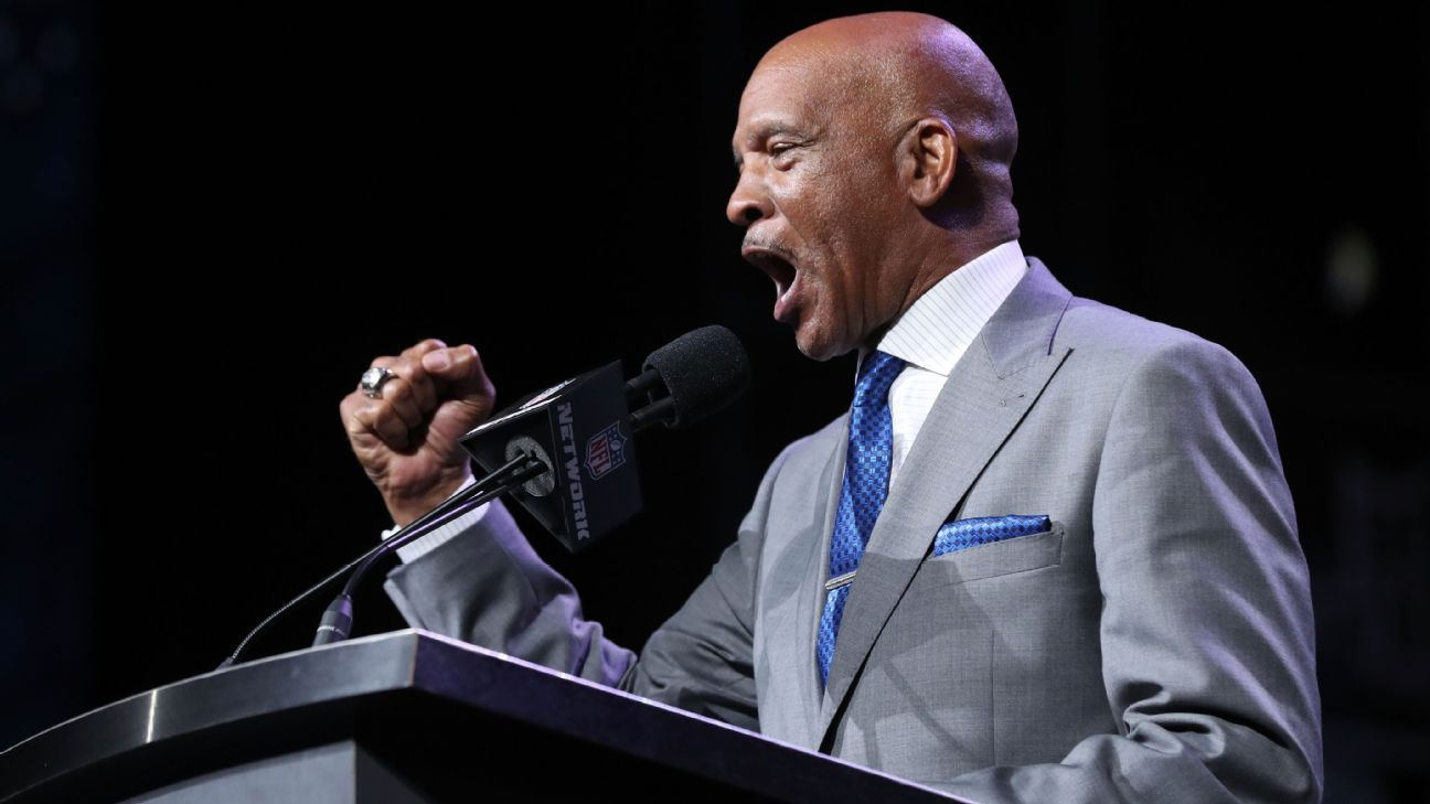 This weekend, former Cowboys great Drew Pearson will again be a part of the Dallas draft. But it's highly unlikely he'll be able to top last year's viral troll play he made in Eagles fans' faces.