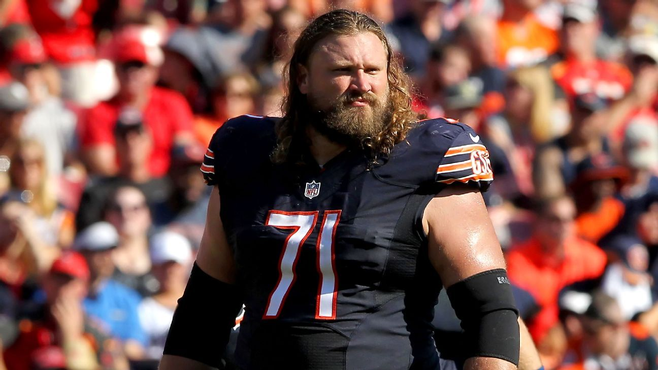 Guard Josh Sitton, a four-time Pro Bowler, has agreed to a two-year deal with the Miami Dolphins, a source told ESPN's Adam Schefter.