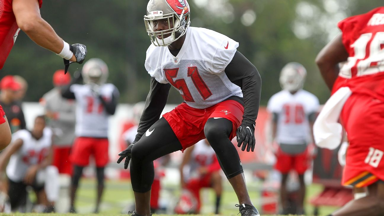 Tampa Bay Buccaneers linebacker Kendell Beckwith had surgery on a fractured ankle suffered last week during a car accident.