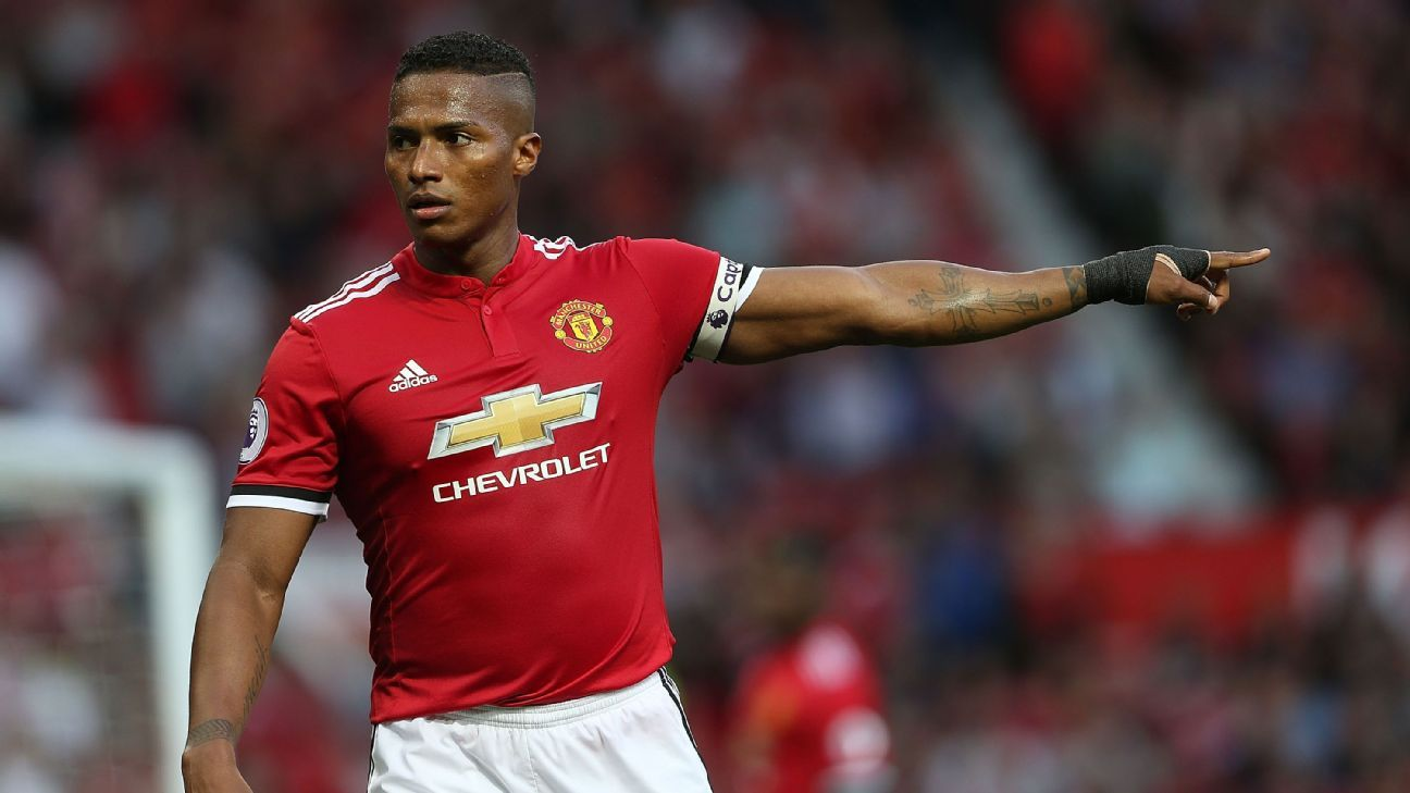 Man United's Valencia limps off injured in friendly