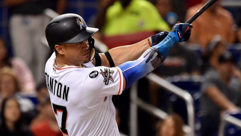 Year of the homer: MLB's 5,694th HR sets mark