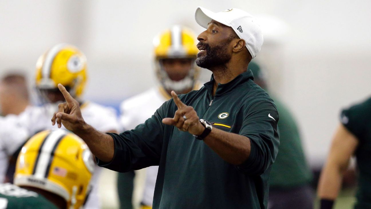 Winston Moss, who was fired by the Packers this past week, said his tweet that was perceived to be criticizing Aaron Rodgers was actually about the standards of Green Bay fans.