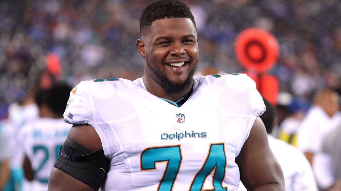 Offensive lineman Jermon Bushrod, a member of the Saints' 2009 Super Bowl team, is returning to the club, according to a source.