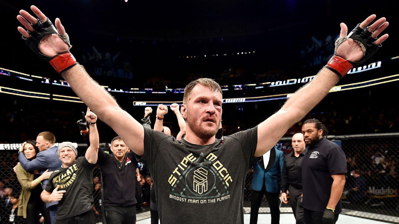 Stipe Miocic, Daniel Cormier battling in heavyweight fight at UFC 226