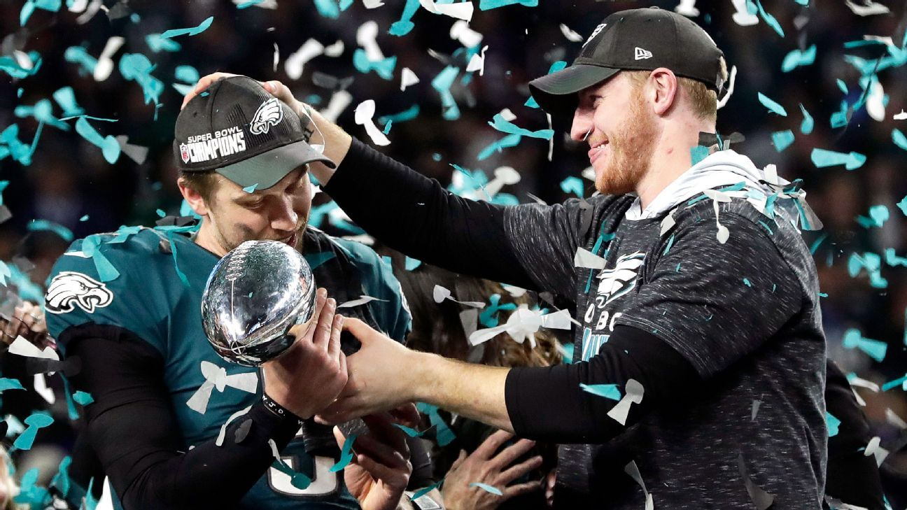 A former Philadelphia Eagles executive assistant, who was fired by former coach Chip Kelly, was presented with a Super Bowl ring during the team's ring ceremony on Thursday.