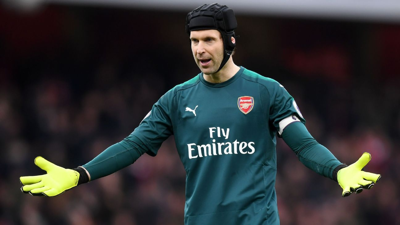Cech focused on Arsenal, no Chelsea bid - agent