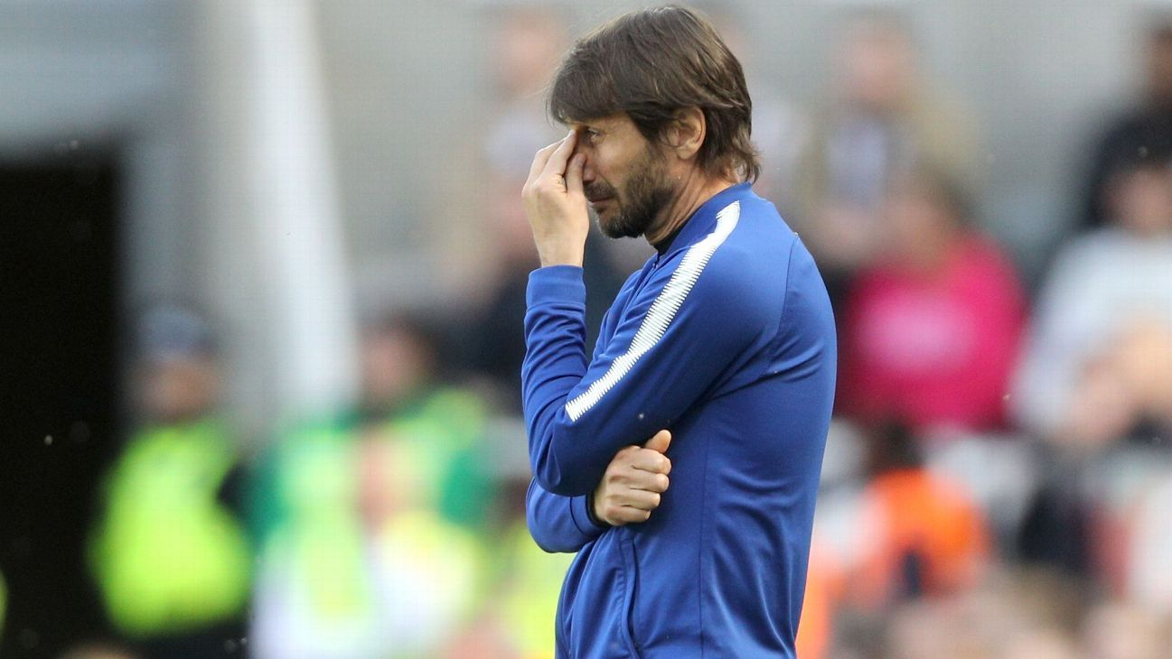 Conte says he's 'a hero' for effort at Chelsea