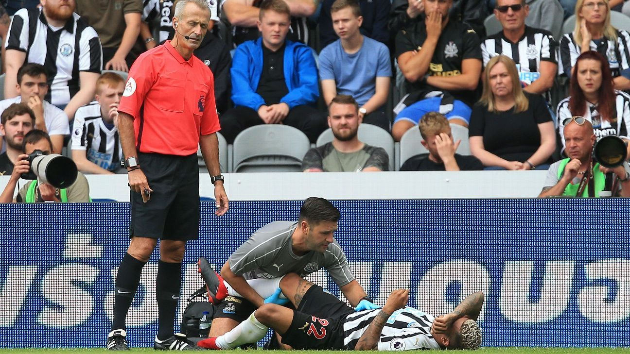 U.S.'s Yedlin injures knee in Newcastle's opener