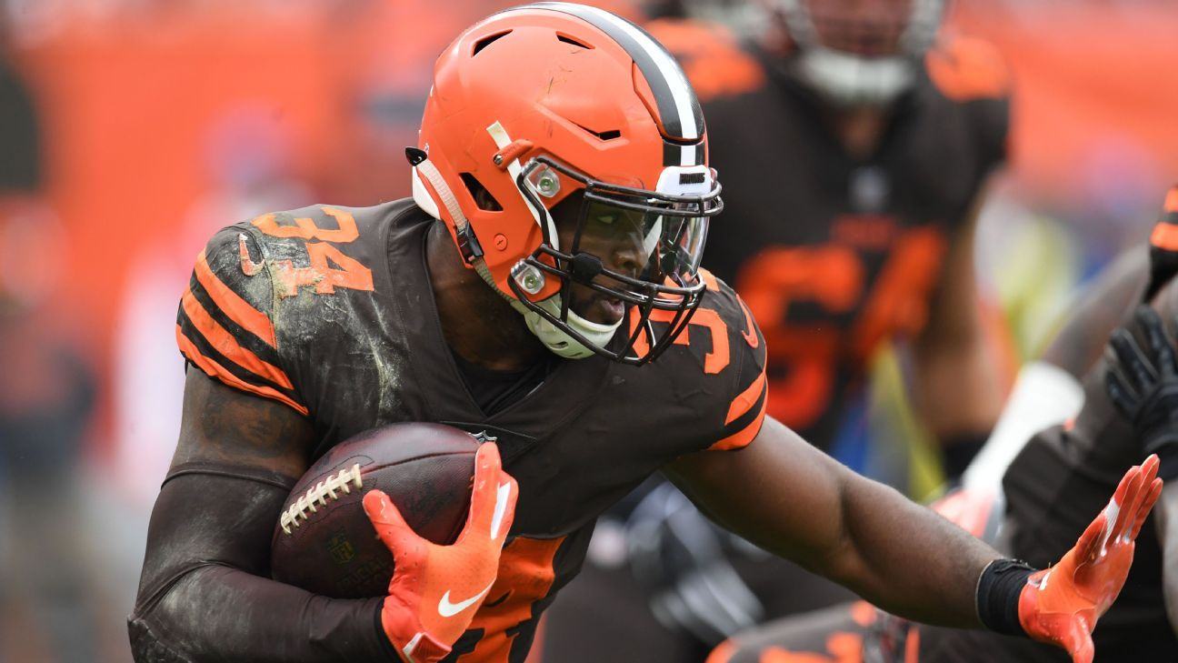 Carlos Hyde being traded to Jacksonville Jaguars by Cleveland Browns