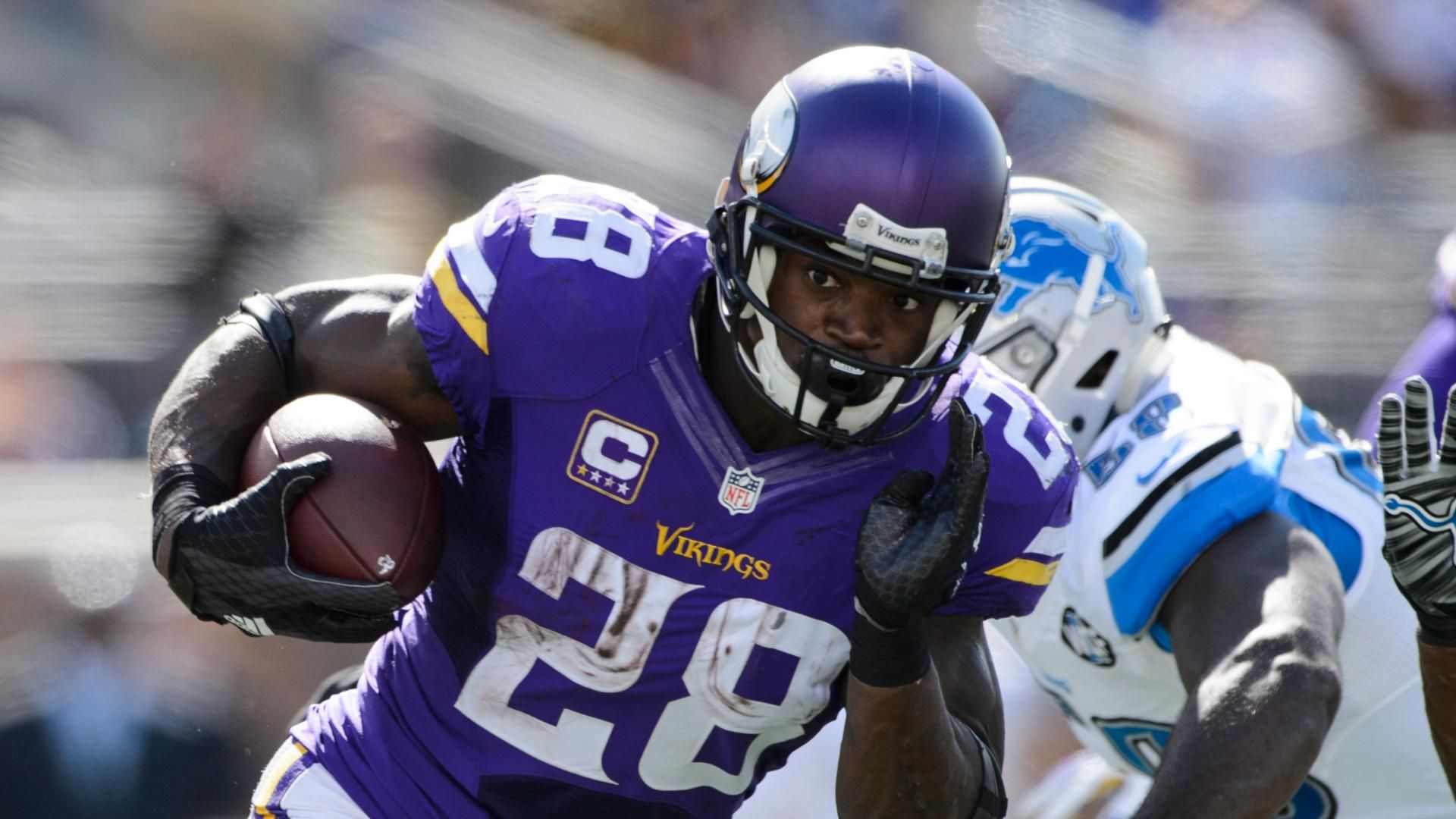 Minnesota vikings rb adrian peterson scores first td since 2013