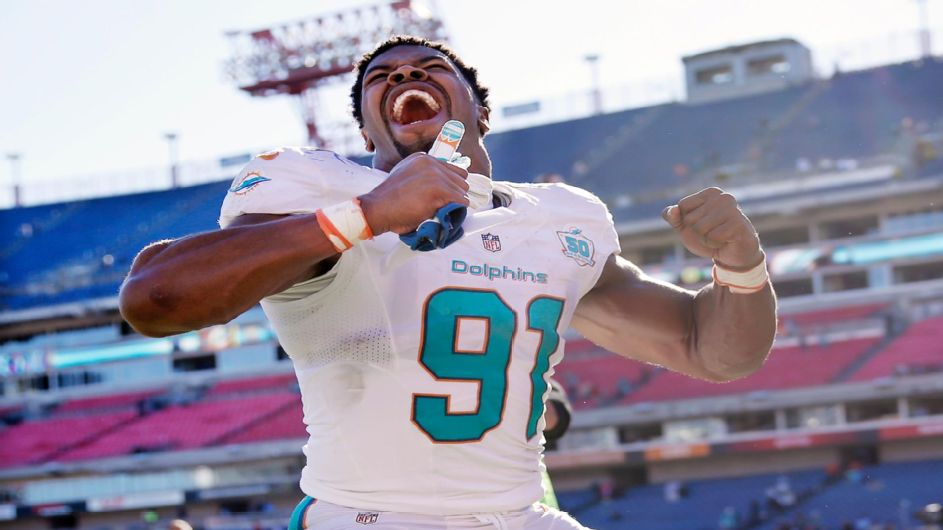 miami dolphins 39 cameron wake regains health dominance. Black Bedroom Furniture Sets. Home Design Ideas