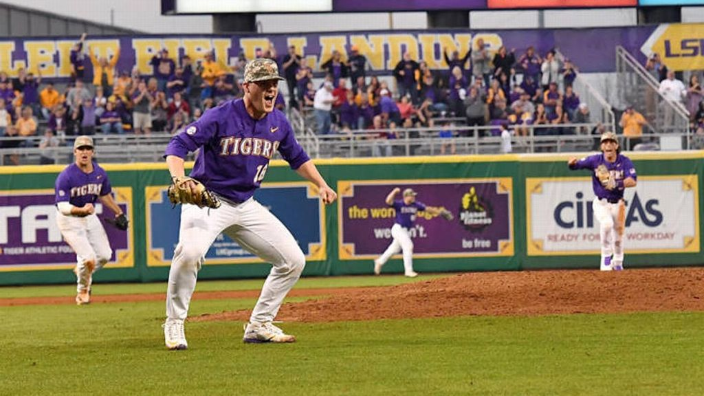 No. 3 LSU shuts out Army