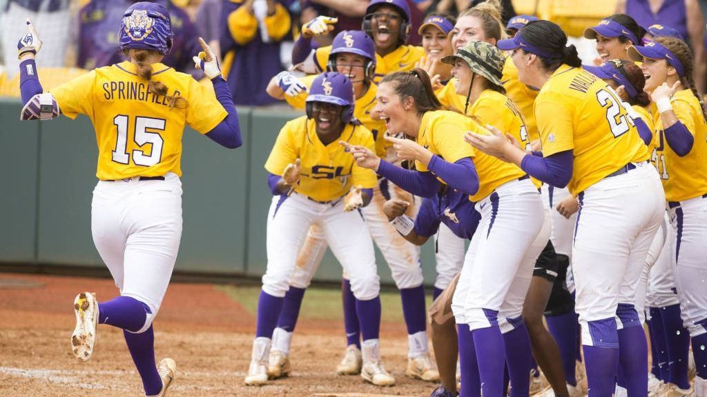 LSU wins Baton Rouge Regional, advances to Supers