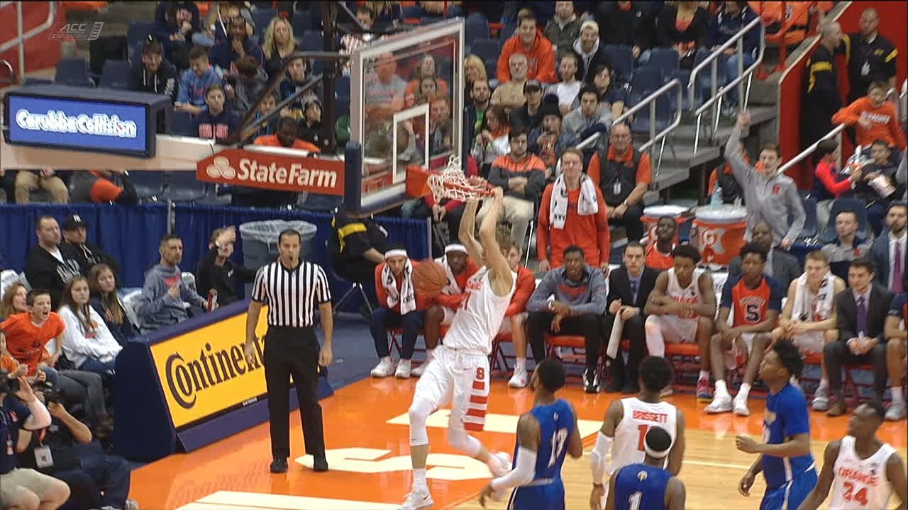 Syracuse holds Indiana to season low in points, makes Elite Eight