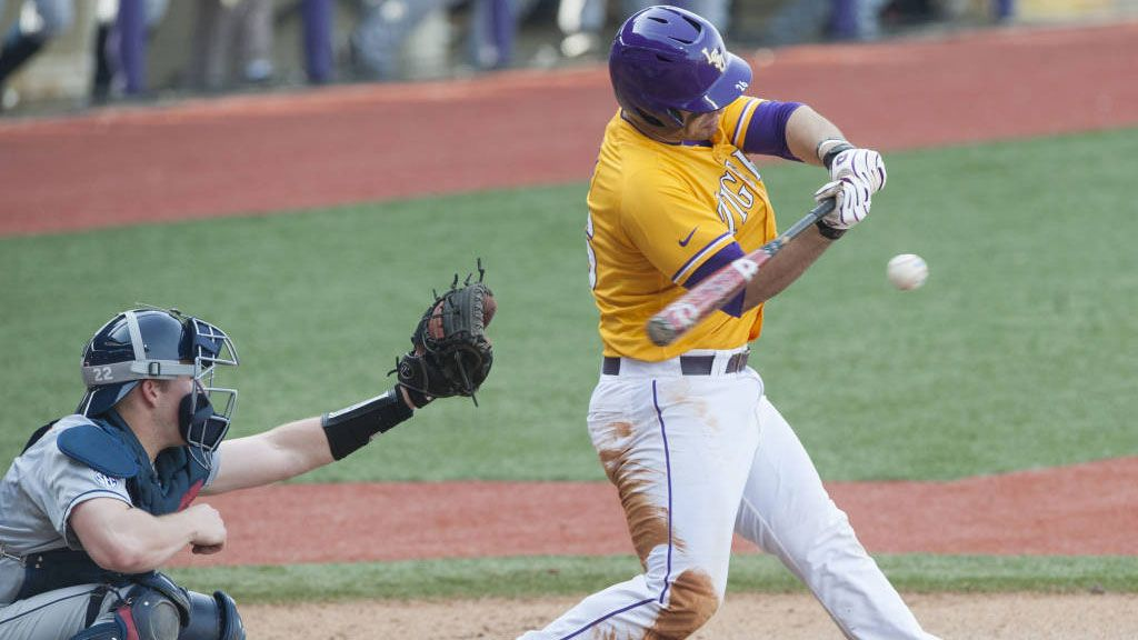 No. 1 LSU rolls past Tulane, 13-7