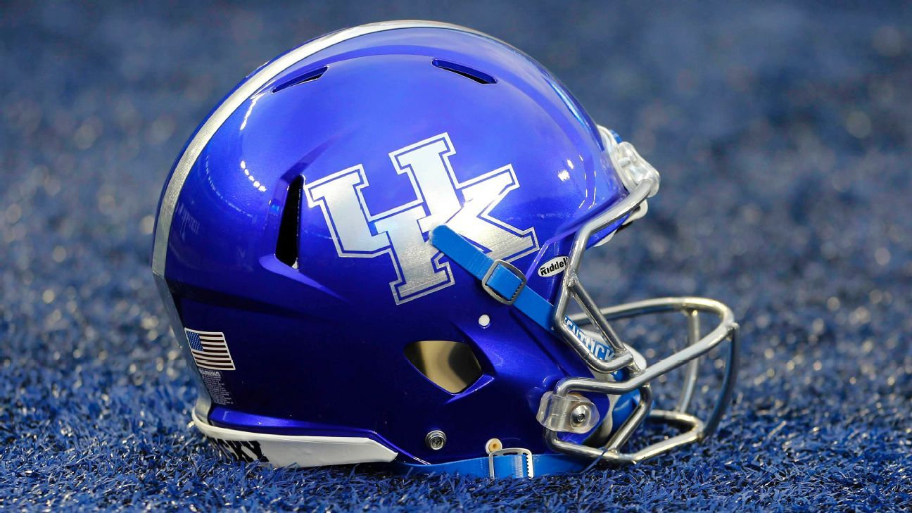 College Football Bowl Games >> After chemo treatment, 9-year-old Kentucky superfan to lead Wildcats - SEC Blog- ESPN