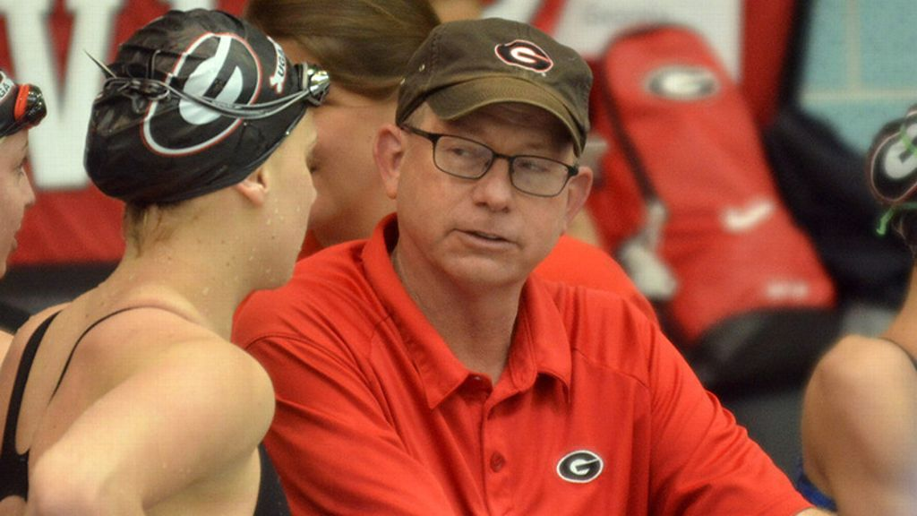 Humphries honored by College Swimming