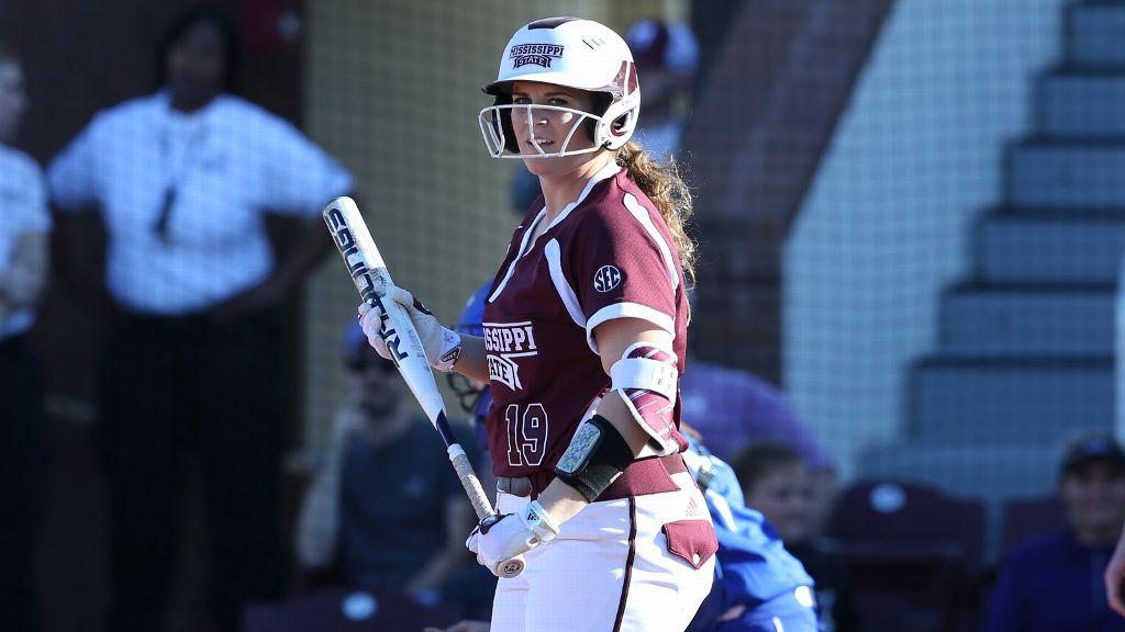 Bell hits walk-off, MSU splits doubleheader