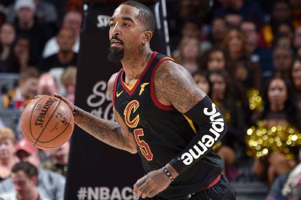 Klay Thompson scores 25 as Warriors race past Raptors