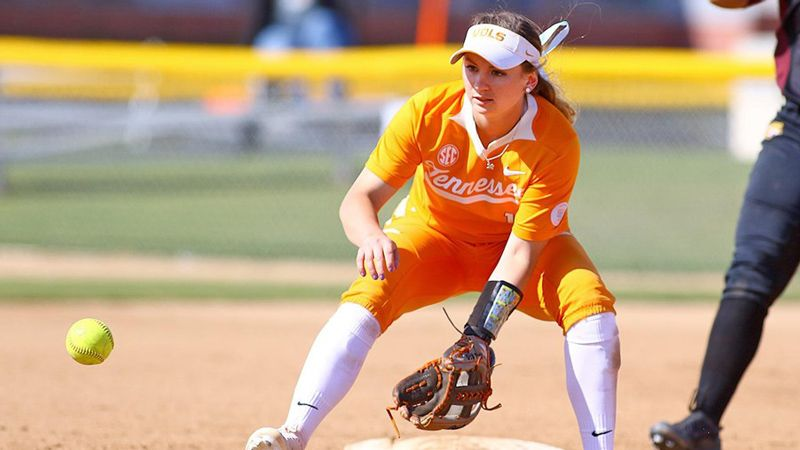 No. 11 Lady Vols make it six straight