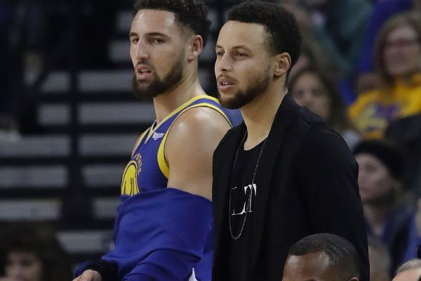 Steph Curry scores 25 of 36 after half as Warriors go to NBA-best 50-12