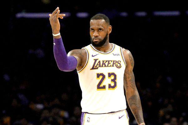 LeBron James, Chris Bosh lift Heat over Damian Lillard, Blazers